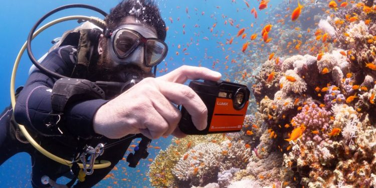เลือกซื้อกล้องกันน้ำ