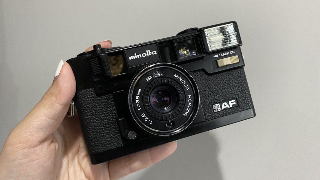 กล้องฟิล์มกะระยะเอง-ตัวแรก